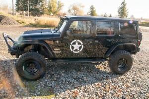 2014 Jeep WRANGLER UNLIMITED BOXING WEEK CLEARANCE DECEMBER 5th-