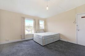 Amazing studio flat to rent in Streatham Hill. WATER RATES INCLUDED