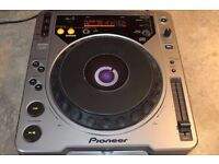 Pioneer CDJ800 - Fully working, never gigged - from smoke free home