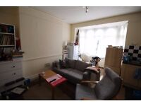 A lovely 2 bedroom flat just off Battersea Park
