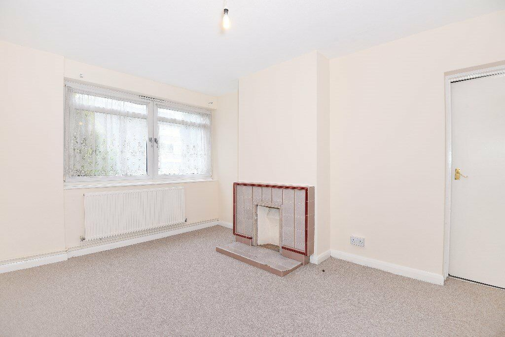 ST AND CT - A four bedroom ground floor purpose built flat to rent