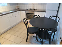 FULHAM LONDON SW6 2 BED BRIGHT AND SPACIOUS FLAT ONLY A SHORT WALK FROM FULHAM BROADWAY STATION