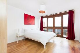 Stunning double room to rent for single or couple near zone 1 with balcony!!!