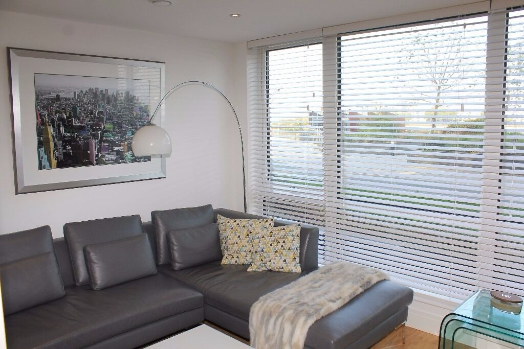 **NEW CAPITAL QUAY*FANTASTIC UNFURNISHED 2 DOUBLE BED DUPLEX APARTMENT*