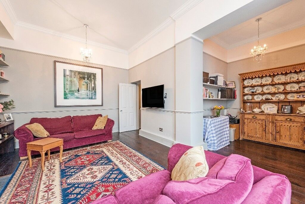 Outstanding two bedroom apartment to rent immediately
