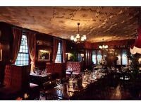 Full & Part time bar & waiting staff required