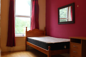 Furnished Bedroom - Excellent House - All Bills Included - Near Walsall Centre