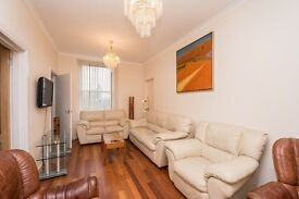 4 bedrooms apartment in the royal mile!