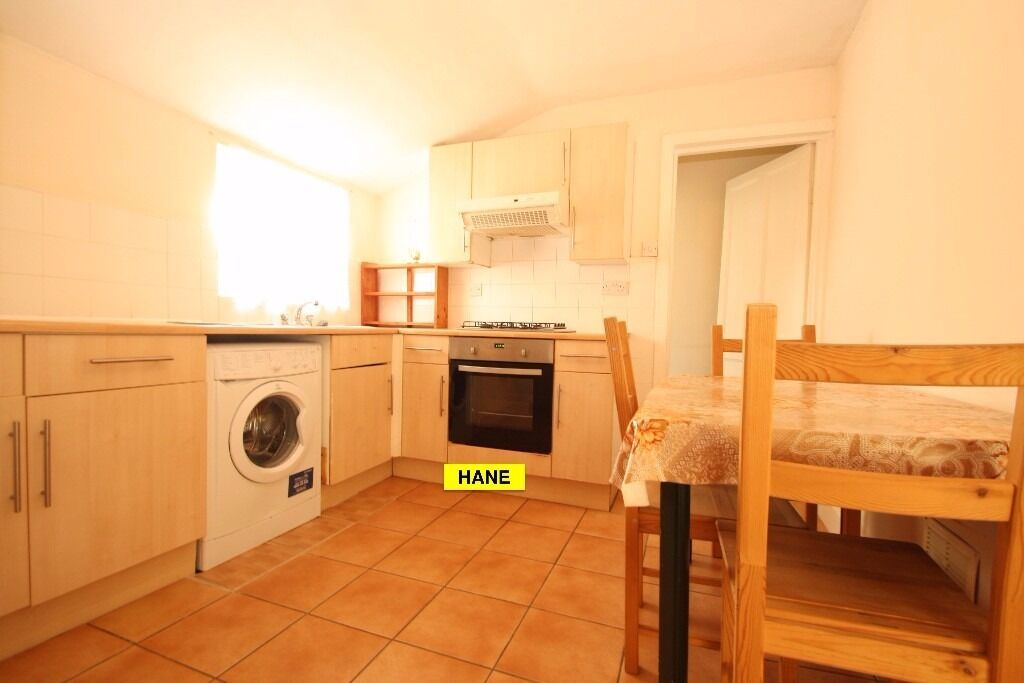 Furnished 2 Bedroom Top Floor Flat Walking Distance to Turnpike Lane Piccadilly Line Underground