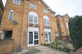 1 bedroom flat in East Road, Kingston Upon Thames, KT2