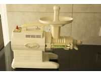GS2000 Green Star Juicer