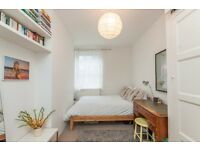 Spacious 3 double bedroom property to let in Clerkenwell to rent EC1V