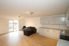 A beautiful very spacious penthouse with a massive roof terrace situated in Islington N7