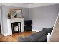 Pretty 1 bedroom cottage in central Falmouth - part furnished long let