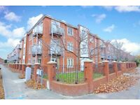 *TWO DOUBLE BED APARTMENT * WALKING DISTANCE TO DEANSGATE * PART FURNISHED * BALCONY
