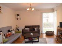2 bed 2 bath located on Hartfield Crescent, SW19. Wooden Floors, Ground floor, Communal Gardens!