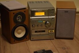 SONY CD/RADIO/CASSETTE/AUXIN 75W PLAY IPOD PHONE CANBE SEENWORKING