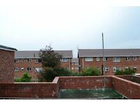 NICE ROOF TERRACE 1ST FLOOR FLAT TO RENT ON RHYMNEY HILL £600