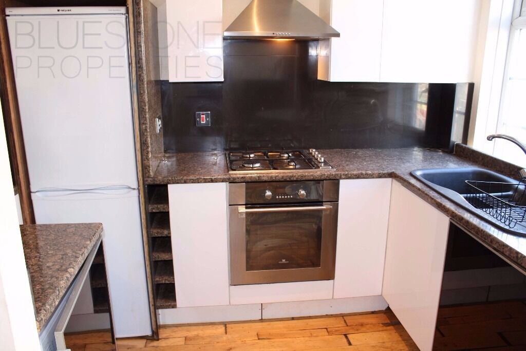 NO ADMIN FEES-MODERN [1 BED] Flat- Close to shops and transport links !!Call us today!!