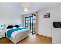 Bedroom w/Balcony located in Limehouse