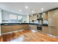 BEAUTIFUL TWO DOUBLE BEDROOM PROPERTY AVAILABLE IN GREENWICH!! PRIVATE BALCONY, AVAILABLE NOW!!