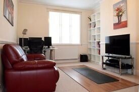 2 bedroom flat in Golders Green Road, Golders Green, NW11