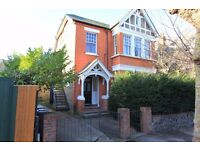 Spacious 3 bed ground floor flat with garden near the Broadway. Available 20 Dec 2016 - Unfurnished