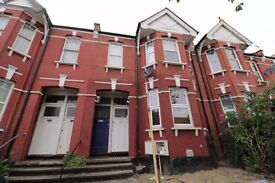 Lovely Two Bedroom Maisonette with a Garden