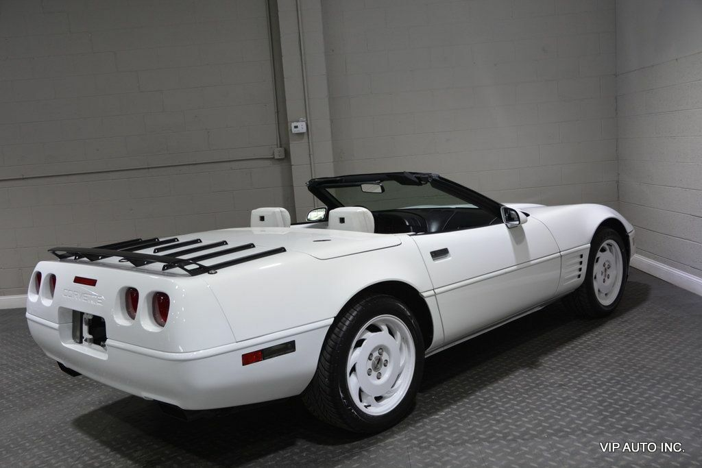 1993 White Chevrolet Corvette Convertible    C4 Corvette Photo 8