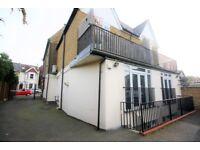 1 bedroom flat in Park Road, Kingston Upon Thames, KT2