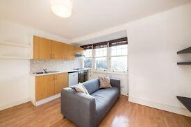 2 bedroom flat in Glenilla Road, Belsize Park