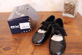 Black Tap dancing shoes Size 1 - £8