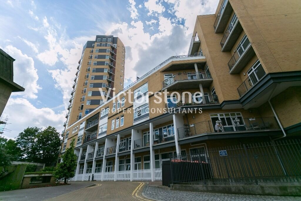 MUST SEE 2 BEDROOM 2 BATHROOM APARTMENT IN LONDON FIELDS GYM BALCONY BROADWAY MARKET UNFURNISHED