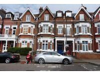 Stunning ground floor two bedroom garden flat available to rent in Willesden Green - Jubilee Line