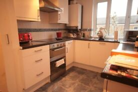 Modern, spacious 2 bedroom flat in the heart of Oval for only £404pw