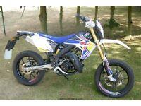 Rieju MRT 50 PRO SUPERMOTO MOTORBIKE 2016 50cc Dealer Derestricted LOW USE