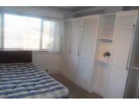 Large double bedroom in Sherwood. Fully furnished. Close to the city centre. All bills included