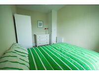 Great Double in a Modern 3 bedrooms flat