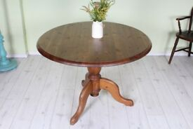 QUALITY SOLID PINE ROUND TABLE - UK WIDE DELIVERY