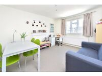 Halton Road N1: One Bedroom Apartment / Modern Bathroom / Part Furnished / Available 26th September