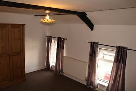 SPACIOUS DOUBLE ROOM AVAILABLE IN SHARED HOUSE OF MULTIPLE OCCUPANCY