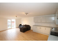 Refurbished very spacious penthouse Four double bedroom apartment with roof terrace in Islington N7