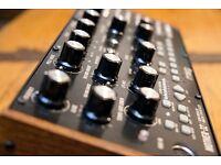 MOOG mother 32 semi modular synthesizer synth