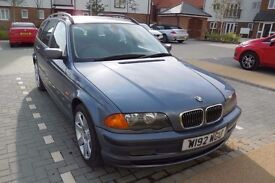BMW 328i estate (year 2000) Manual. Petrol. Alloy wheels. Full service history. Reliable family car.