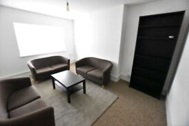 A spacious and well presented 3 double bedroom flat