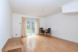 LOVELY TWO BEDROOM HOUSE ON COLERIDGE SQUARE MOMENTS AWAY FROM DRAYTON GREEN STATION £1400 PCM