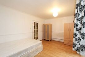 NEW MASSIVE room near LIVERPOOL STREET !