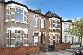 GORGEOUS 3 DBL BED HSE IN HAMMERSMITH W6 AVAILABLE 8TH AUGUST ON BERYL RD