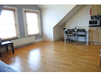 A beautiful one bed flat in a wonderful house close to transport !!! BILLS INCLUDED !!!