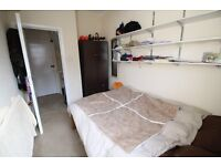 Lovely double bedroom in Balham - 1st May